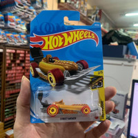 Hot Wheels Treasure Hunt Street Wiener - April 2021