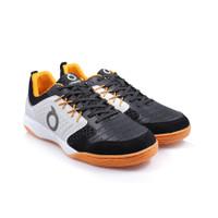 Sepatu Futsal Ortuseight Jogosala Penumbra (Black Off White Ortrange)