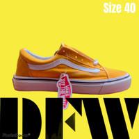 Sepatu Sneaker - Vans Oldskool - Kuning Garis Putih