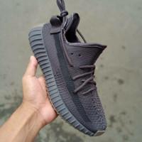 Sepatu Sneakers Nike Yeezy Boost 350 V2 Cinder Triple Black
