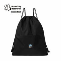 Tas Ransel Serut Hitam / String Bag / Anti Air Taslan (45 cm x 32 cm)