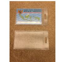 Plastik Cover Kartu ATM SIM KTP Cover Pelindung Kartu Anti Gores Kartu