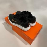 Sepatu Golf Wanita Nike Size 5.5 / 35.5 (like new, worn once)