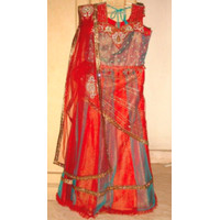 Setelan Baju India–Red Green Lehenga Ready made Sari