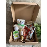 snack box hampers gift valentine ultah coklat +boneka