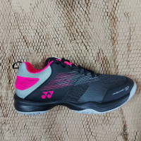 Sepatu Badminton Yonex SHB37 Ex black/pink
