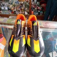 Sepatu Bola ADIDAS Orange Hitam