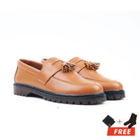 MOOFEAT CHIEF - Sepatu slip on pria boots penny loafers coklat muda - Tan, 40