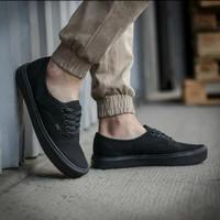sepatu sneakers pria vans Authentic hitam polos ukuran 36 - 45