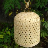Jual kap lampion / lampu hias anyaman Bambu unik.