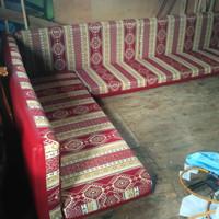 sofa arab lesehan bantalan