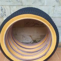 Ban luar Sepeda Ukuran 18 x 2.125 Lis Kuning