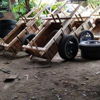 gerobak pasir kayu serbaguna ban mobil