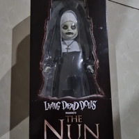 The Nun - Living Dead Dolls Conjuring 2 - Mezco Toys