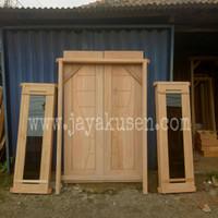 Kusen dan pintu kupu tarung kayu mahoni