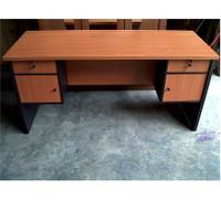 Meja Kerja 1 Biro Murah / Meja Kantor 1 Biro Murah Fiesta MJ-1470