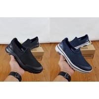 Skechers/ skechers for men / skechers gowalk 5 / Sepatu Pria - Hitam, 40