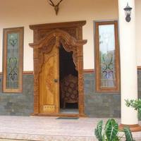 Pintu Gebyok Ukir Kudus Cocok buat Rumah Modern bahan kayu jati baru