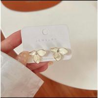 Anting Wanita Flower Simple Korea White Fashion Aksesoris Perhiasan