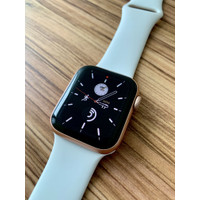 Apple Watch Series 5 40mm Gold