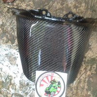 spakbor belakang vespa sprin/primavera carbon