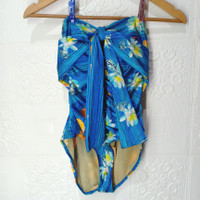 preloved baju renang biru abstrak