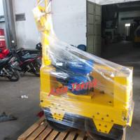 Mesin baby roller double roller Hyundai 2 ton.. Mesin pemadat aspal