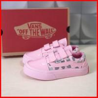 Sepatu Anak Perempuan Vans Pink Glossy Perekat Velcro Balita Cewek Pre