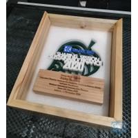 Plakat penghargaan kantor, plakat seminar, plakat 3D premium