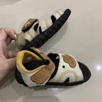 preloved sepatu bayi merk baby millioner size 6