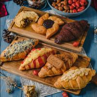 Aneka CROISSANTS bebas pilih - MISOL Pastry Bakery