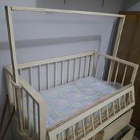 Box Bayi, second bahan kayu kuat