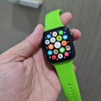 Second Apple Watch series 4 44mm Space Gray aluminium