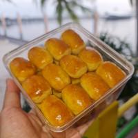 Kue NASTAR LONJONG Premium Isi Nanas Toples Kotak - Kue Kering