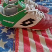 sepatu bola Lotto stadio