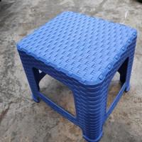 GP Bangku Tanaman Jongkok Rotan(Sahara)warna bervariasi/Bangku Plastik