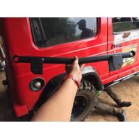 Support / Braket / Pangkon shock breaker belakang jimny katana