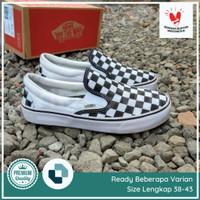 Sepatu Vans Slip On Checkerboard Motif Catur Pria Wanita - 38
