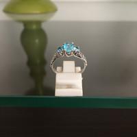 Cincin Perak Dilapisi Emas Putih Dengan Batu Blue Safir Cantik C 8018