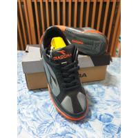 Sepatu DIADORA ORIGINAL Futsal Anak Orange Abu - Ukuran 33