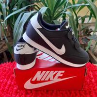 Sepatu Nike hitam Grade Original sepatu sekolah anak