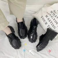 Platform shoes sepatu docmart chunky hitam black boots