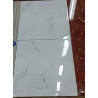 STAGE KEROS WHITE 60X60 GRADE 1