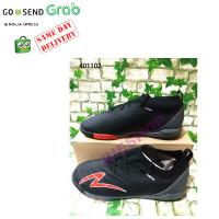 Sepatu Futsal Bola SPECS SWERVO GALATICA PROMO Hitam 401097 per pasang