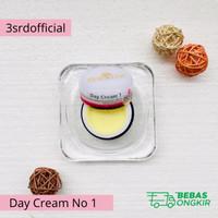 Krim Pagi Pemutih Wajah Essential no 1 - Day Cream Essential