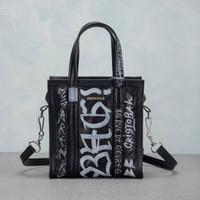 Tas balenciaga xs bazar shopper graffiti tote black white asli