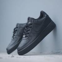 Sepatu Sneakers Nike Air Force 1 '07 Triple Black Premium - 37