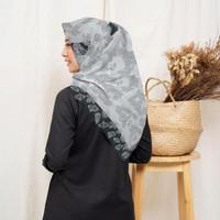 Terbaru !! Hijab Voal Segi Empat Motif C.H BW Jilbab Voal