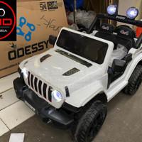 Mobil Aki Mainan Anak Remote Jeep Rubicon Ban Karet 4 Dinamo Yukita