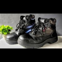 sepatu safety krisbow hercules 6